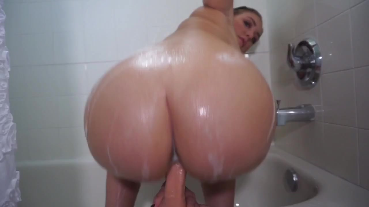Fucking My Big Booty Step Mom